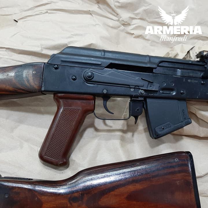 Akm 47 militare Unione Sovietica Kalashnikov 1