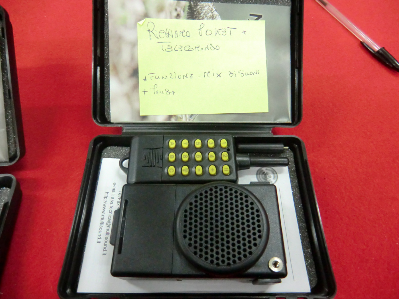 Richiami MultiSound 8 canti con telecomando perfetto per la piccola migratoria