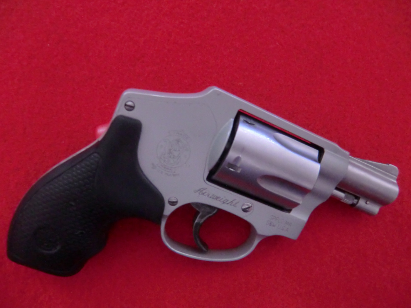 REVOLVER SMITH & WESSON CALIBRO 38 SPECIAL + P