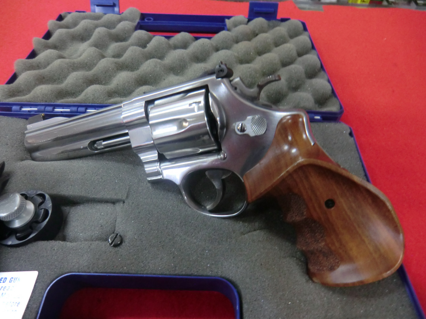 REVOLVER smith & wesson calibro 357 Magnum modello 627 Target Shampion