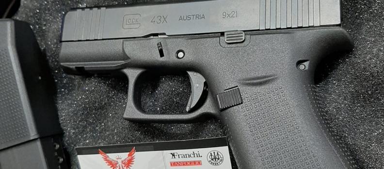 È arrivata la Glock modello 43 X Rail FS calibro 9X21